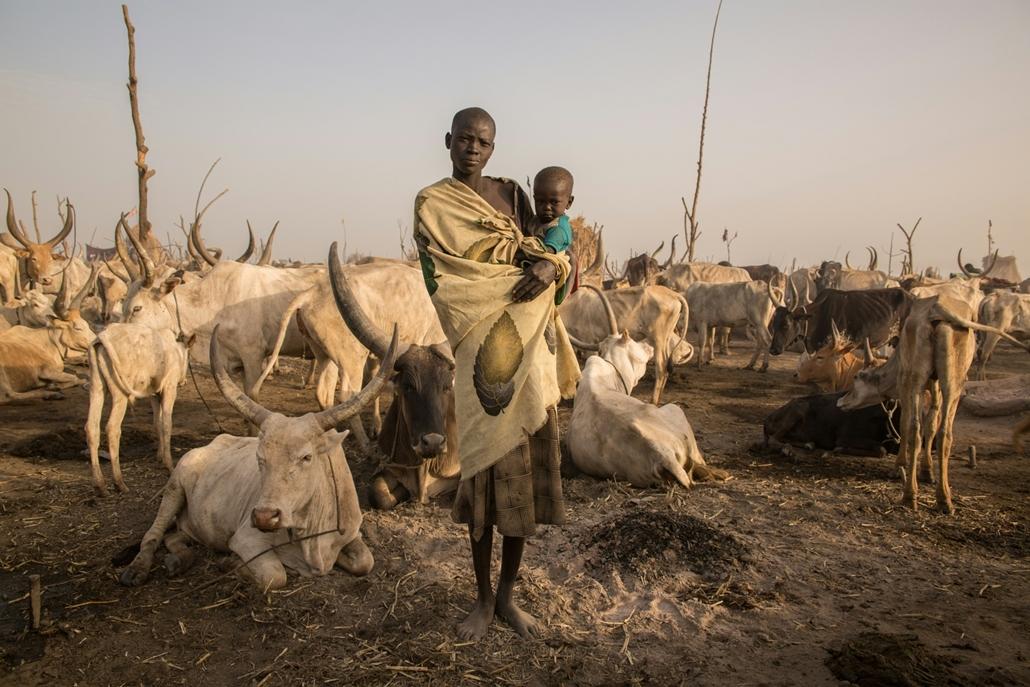 afp.18.02. - AFP Nőnap - Mary Amer 22 éves dél-szudáni szarvasmarha pásztor