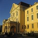 Melyik a legszebb magyar egyetem? Egyre több szavazatot kap a Szent István Egyetem
