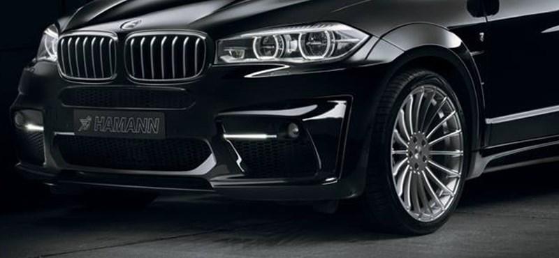 Búcsúzik a BMW X5, de előtte még erőt fitogtat