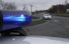 1-2-3…5 autó még simán átmegy a piroson – videó