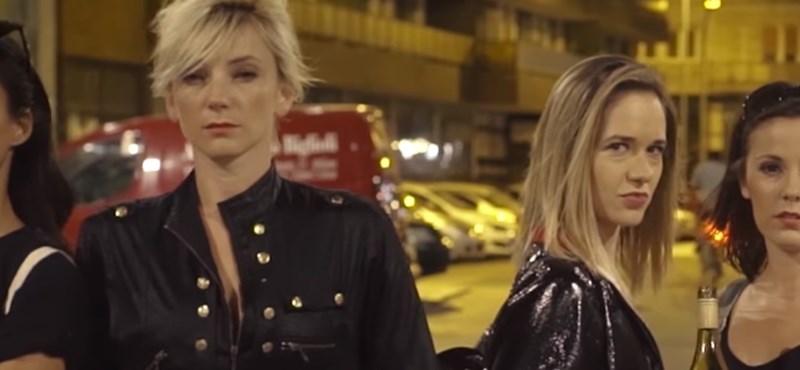 Lovas Rozi és Borbély Alexandra is bulizik a The Biebers új klipjében