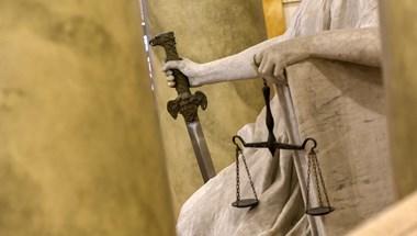 Úgy ment a bíróságra az oroszlányi férfi, hogy előtte még beugrott lopni