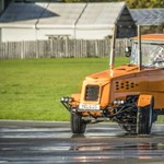 140 km/h-val repeszt az 500+ lóerős világbajnok traktor