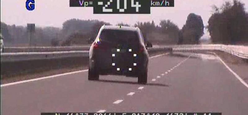 110 helyett 204 km/órával száguldott egy autós Somogybabodnál