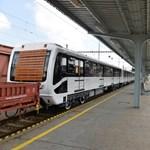 Metróért Egyesület: aprólékosan újították fel 3-as metró kocsijait, azért tűnnek újnak