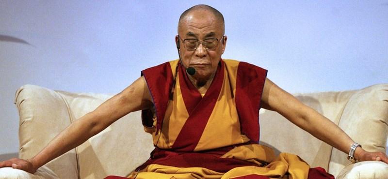 Dalai Láma: A menekültek térjenek haza