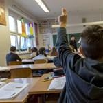 Tízezernyi kisgyerek kerülhet idő előtt iskolába a hiányos kormányzati tájékoztatás miatt