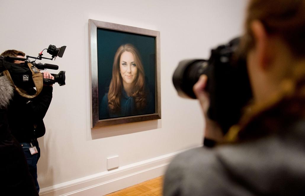 Nagyításgaléria - Leleplezték Katalin hercegnő hivatalos portréfestményét a brit Nemzeti Arcképtárban Londonban