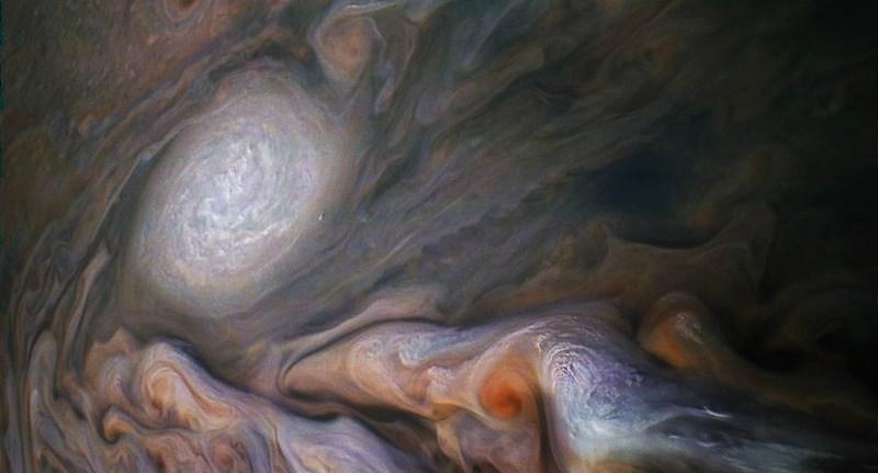 Olyan fotó jött a Jupiterről, hogy leesik tőle az állunk