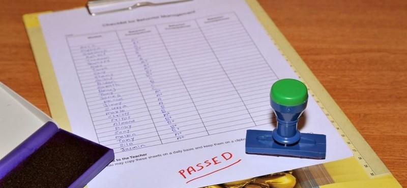 Itt vannak a friss PISA-eredmények: rosszul teljesítenek a magyar diákok