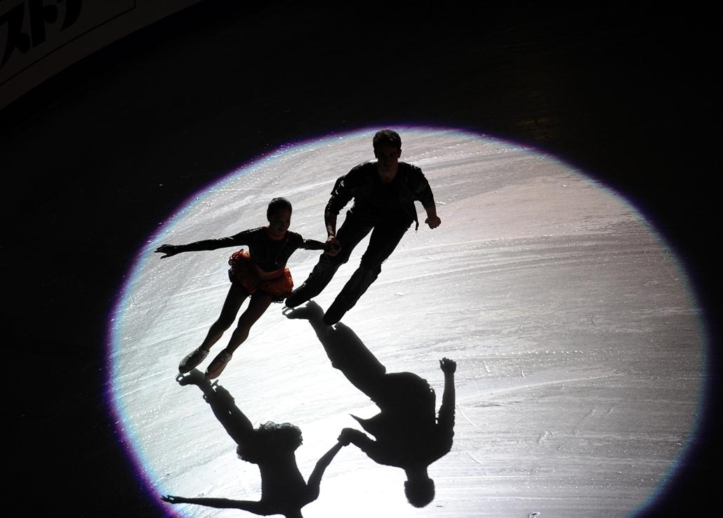 2012. december 9. - Szocsi: az orosz Vilisa Davankova - Andrei Deputat páros bemutatója az ISU Grand Prix Műkorcsolya Európa-bajnokságon. - évsportképei