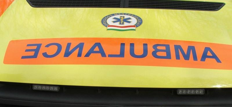 Munka helyett egyelőre kényszerparkolnak az új mentőautók