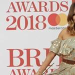 Meghalt a brit Love Island műsorvezetője