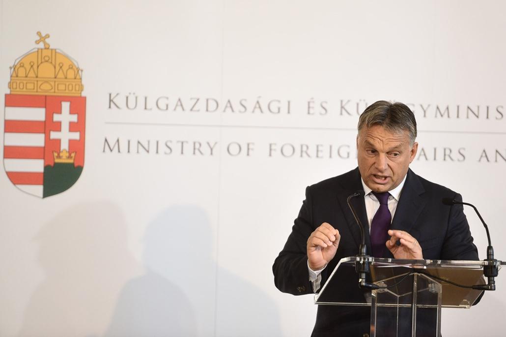SA, Orbán Viktor, Külügyminisztérium
