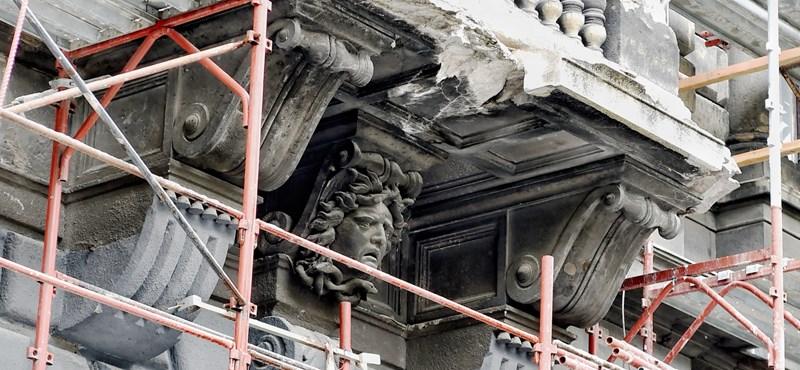 Budapest szégyenfoltjai: így állnak most a leghíresebb soha véget nem érő felújítások