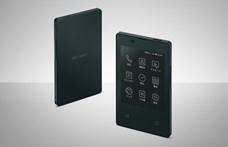 Itt egy telefon, ami akkora, mint egy bankkártya, a pénztárcájába is teheti