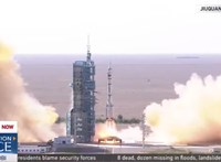Útnak indult három űrhajós, először lép ember az új kínai űrállomás fedélzetére – videó