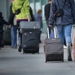 A britek is betiltják a laptopokat a repülők fedélzetén