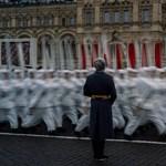 Putyin a Nagy Honvédő Háború mítoszát építi a győzelem napján