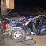 Árokba hajtott egy 20 éves sofőr Gecsénél, a 23 éves utasa meghalt