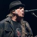 Neil Young eladta a dalai után járó jogdíjak felét egy befektetési alapnak