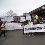 Nagy tömeg tüntetett Budapesten a gyöngyöspatai kártérítések miatt
