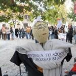 Több száz hallgató tüntetett a felsőoktatás átalakítása ellen - galéria