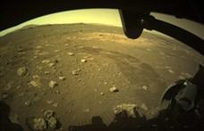 Túrázni indult a Perseverance Mars-járó, és ha már így tett, útközben fotózott is