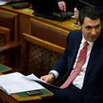 Lázár módosítódömpinget nyújtott be a végszavazás előtt