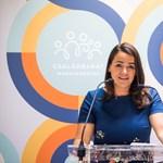 Novák Katalin: A homoszexuálisok örökbefogadásának kérdése nincs a magyar emberek első száz problémája között