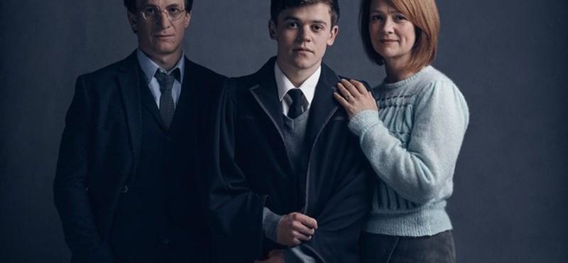 Újra kitört a Harry Potter-láz, már a boltokban a kötet