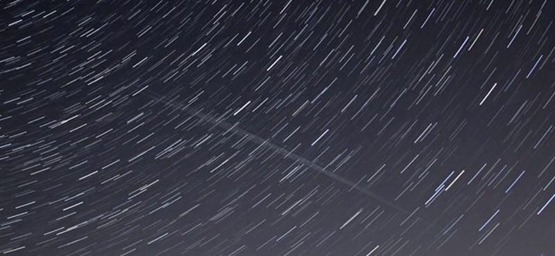 Ez már valódi fotó: nézze meg a magyar csillagász képén, hogyan teszik tönkre az éjszakai látványt a műholdak
