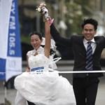 Ön is lefutna a vőlegényével 4 kilométert 16 millióért, egy gyémántgyűrűért és egy nászútért?