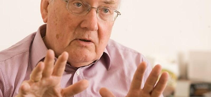 Róna Péter: A devizahitelezés miatt az állam is elvesztette hitelességét