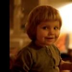 Lencsevégre kapták, ahogy megszállja az ördög ezt a kislányt (videó)