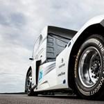 Összejött a sebességrekord, világrekorder lett a Volvo kamionja