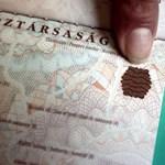 Csak úgy kapkodnak a magyar letelepedési kötvények után