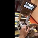 Technikából ötös ez a cipősdobozból készült autóverseny-szimulátor