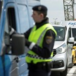 Az Európai Bizottság fél év múlva megszüntetné az ideiglenes belső határellenőrzést