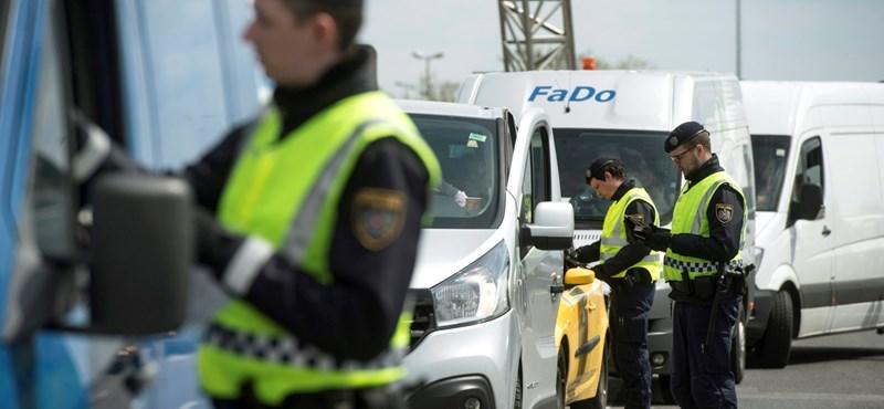 Elkezdték a határellenőrzést az osztrák rendőrök