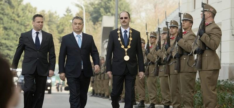 Nem a Soros-egyetemnek vannak itt kiváltságai, hanem az Orbán-egyetemnek