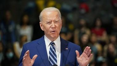 Biden válaszlépéseket ígért Oroszország ártalmas tevékenységére a NATO nevében