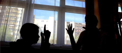 Világszerte komoly probléma lehet abból, ha ősszel nem nyitnak ki az iskolák