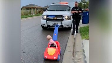 10 hónapos kislányát igazoltatta egy közlekedési rendőr – videó