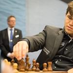 A norvég sakkzseni megvédte világbajnoki címét