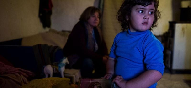 Megy a tökölés, nem indult még el a rászoruló gyerekek étkeztetése