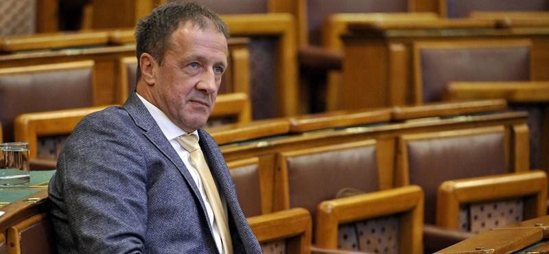 A fideszes képviselő egyetért: sok ember életét szarták el tegnap