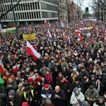 """""""Ez nem Budapest, hanem Varsó"""" - 50 ezren tüntettek a kormány ellen - fotók"""