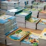 Politikailag elhajló tankönyvet kapnak a diákok