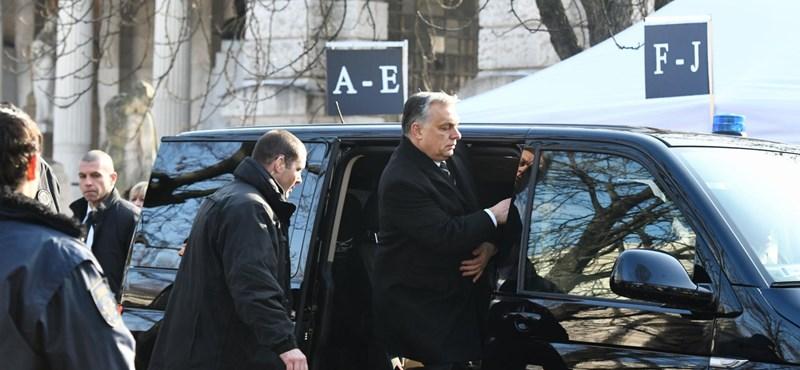 Orbán és Schwarzenegger távoznak Vajna temetéséről – videó
